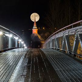 by Stian Krane - City,  Street & Park  Night (  )