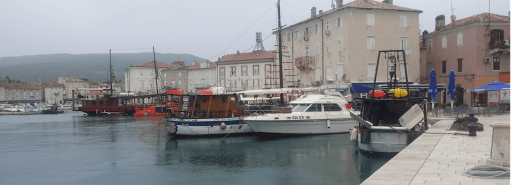 Cres en Croatie moto
