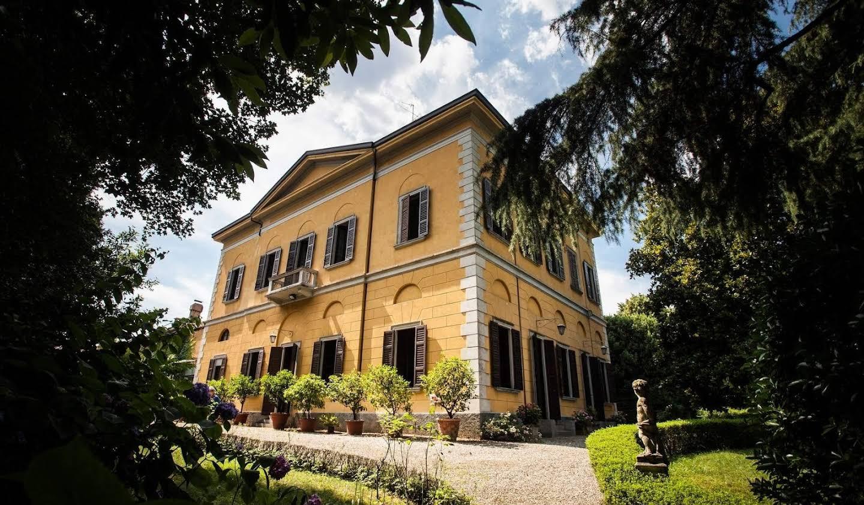 Villa with garden Verano Brianza