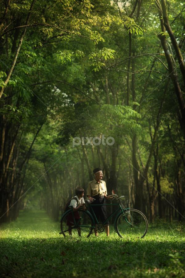 :: precious :: by Eko Nugroho - People Family
