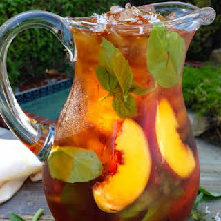 Healthy Skin Iced Saffron Tea Recipe with Peach and Basil.