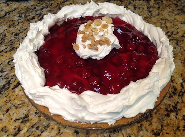 Decorate edges with remaining Whipped Topping with a dollop in center if so desired....