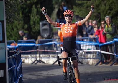 """Marianne Vos pakt meteen overwinning bij haar comeback: """"Ik ben diep moeten gaan"""""""