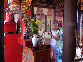 Photo: VIETNAM Hoi an - dans un temple (Pana)