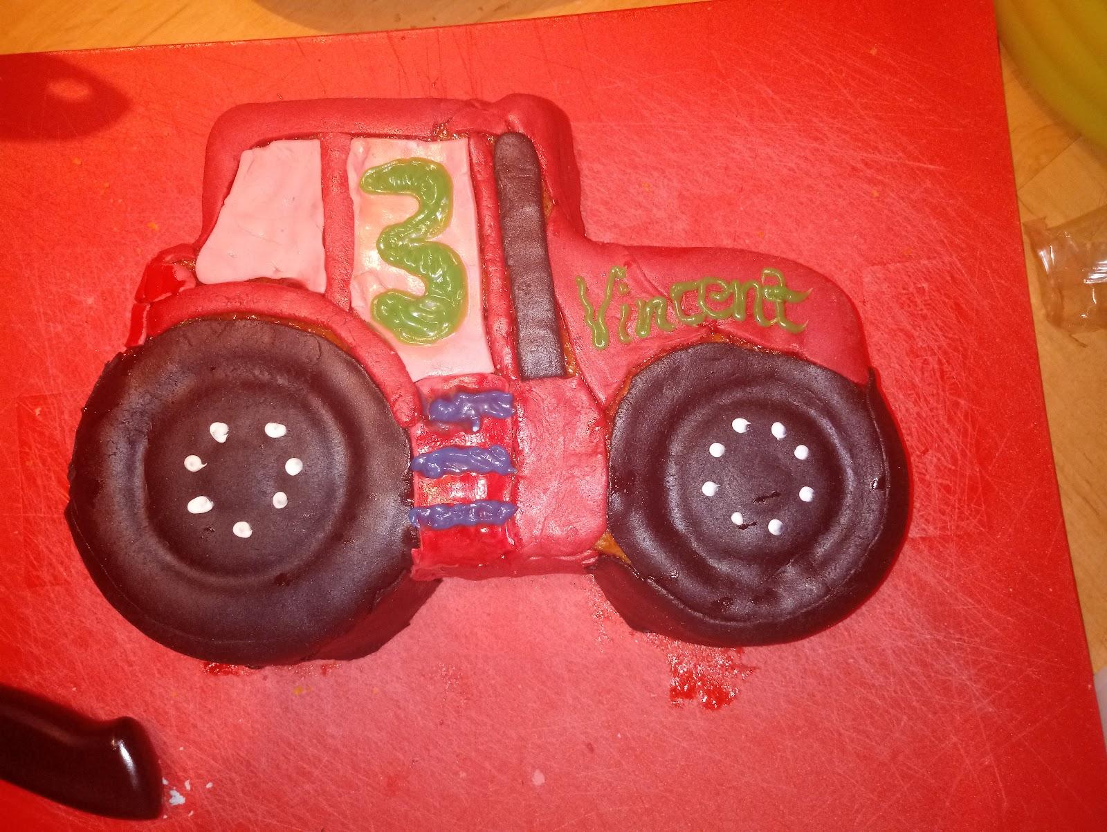 Kuchen vom Kindergeburtstag in Traktorform