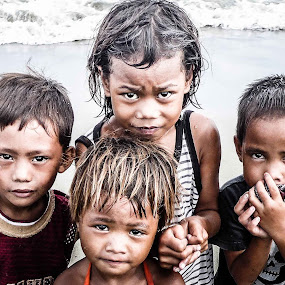 innocence in poverty by Jojo Rinoza - Babies & Children Children Candids ( poor children, faces, #poor kids, innocence, kids, face, people )