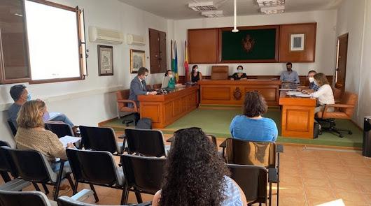 El Ayuntamiento de Mojácar aprueba ayudas para autónomos y empresas