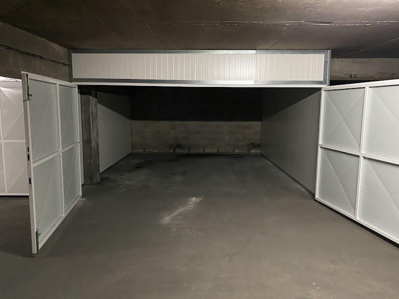Vente parking  20 m² à Cannes la bocca (06150), 39 800 €