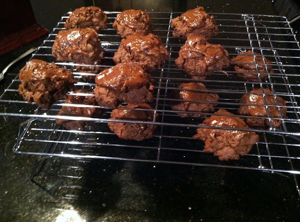 REMOVE FROM COOKIE SHEETS N COOL COMPLETELY ON COOLN RACK....ENJOY :)