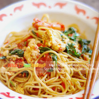MEE KANGKUNG BELACAN / SPICY STIR-FRIED NOODLES WITH WATER SPINACH