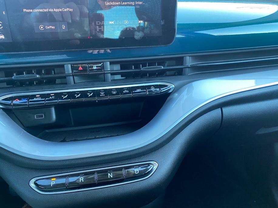 Et bilde som inneholder bil, blå, kontrollpanel  Automatisk generert beskrivelse