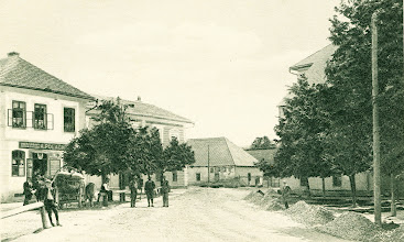 Photo: Trojičné námestie začiatkom 20. storočia.