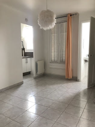 Location studio 19,09 m2
