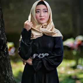 A gracefull beauty on hijab by Mardi Tri Junaedi - People Portraits of Women ( #gracefull, #moesleem, #girl, #beautifull, #religius )