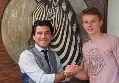 Charleroi doet 16-jarige doelman eerste profcontract cadeau voor zijn verjaardag