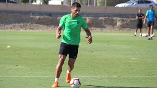 Adri Montoro durante el entrenamiento en la Vega de Acá.