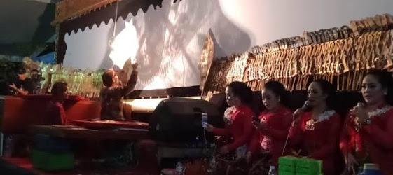 Wayang kulit dalang Ki seno Nugroho