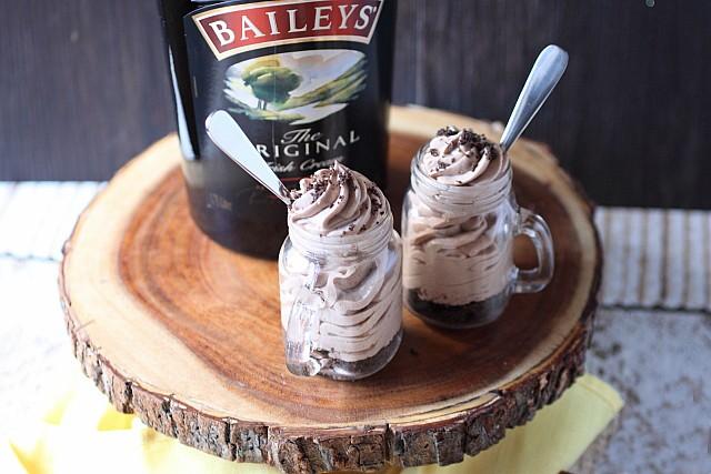 Bailey's Irish Cream Mini Cheesecakes