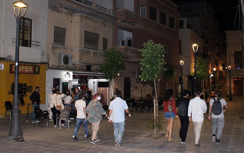 Almerienses en bares y pub de calle Trajano.