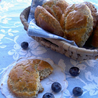 Poppy Seeds Scones With Blueberries