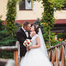 Wedding photographer Olya Naumchuk (olganaumchuk). Photo of 08.10.2017