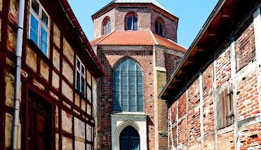 Photo: Backsteingotik und Fachwerk in einer Kleinstadt in Vorpommern