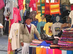 Photo: Notre vendeur indien Otavalo