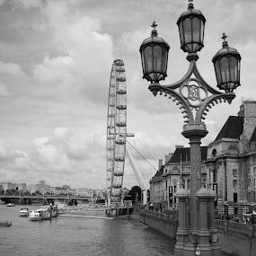 londen by Franky Vanlerberghe - Black & White Street & Candid ( london eye, london, londen,  )