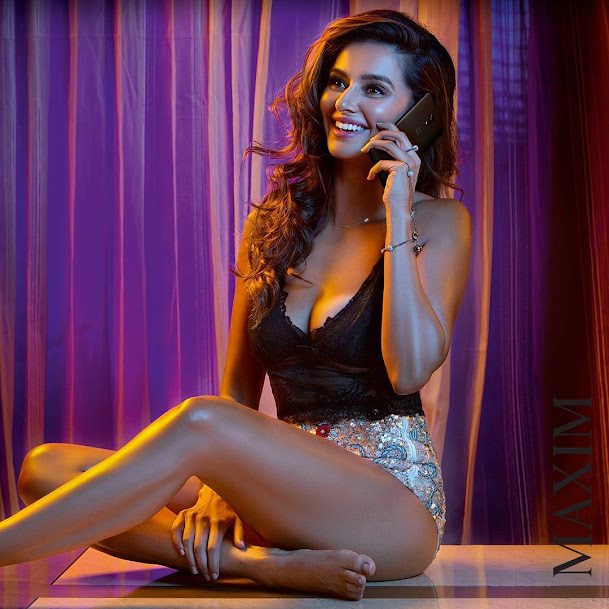 Shibani Dandekar thunder thighs, Shibani Dandekar sexy legs, Shibani Dandekar hot legs, Shibani Dandekar in tight clothes, Shibani Dandekar in short dress, Shibani Dandekar hottest photoshoot ever