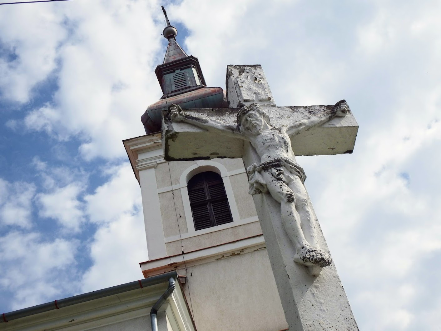 Balatongyörök - Szentháromság-kápolna a Bece-hegyen