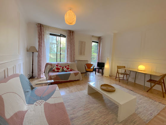 Location studio meublé 33 m2