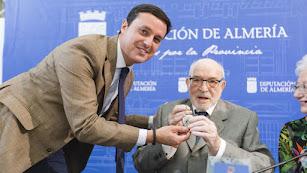 Imagen de 2019 de Julio Visconti junto a Javier Aureliano García.