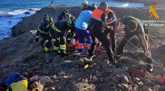 Rescatan a un senderista en Cabo de Gata tras fracturarse el tobillo