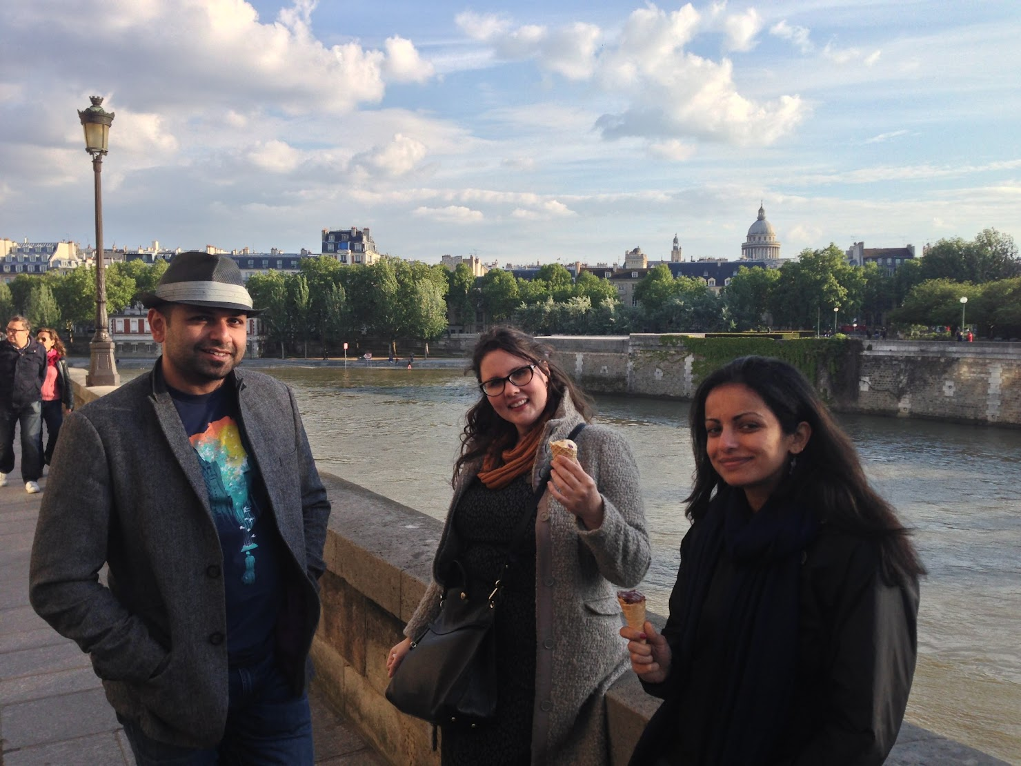 Walk along the Seine
