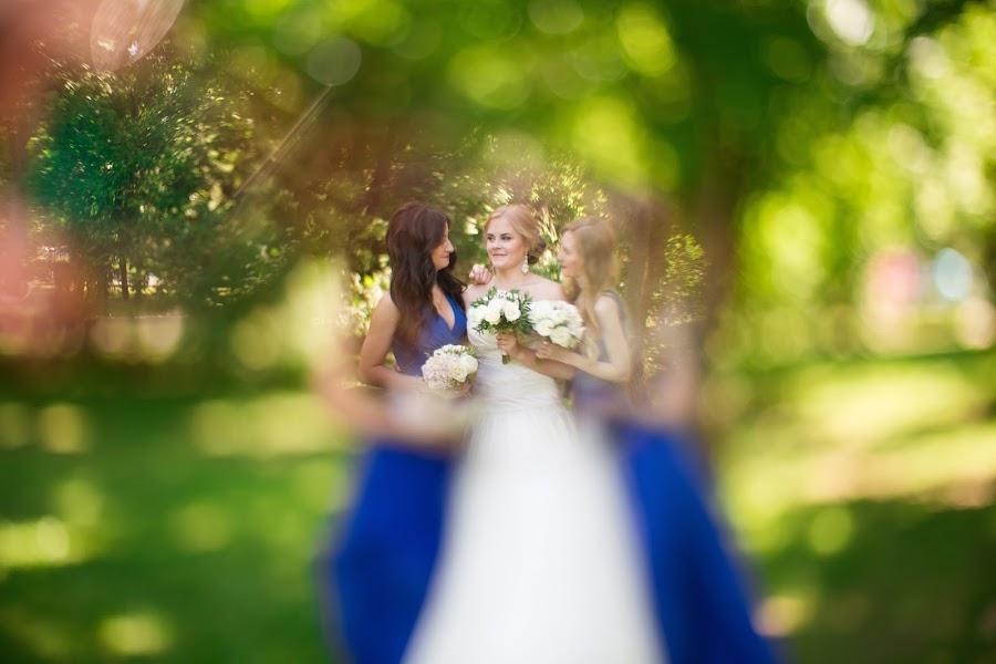 Wedding photographer Anya Grebenkina (grebenkinaann). Photo of 06.06.2016