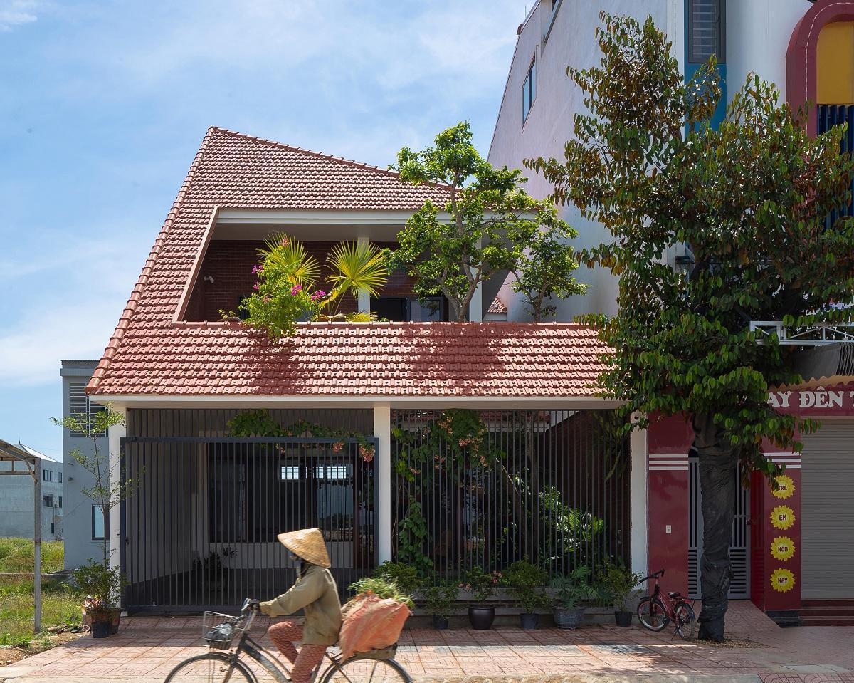Nhà chóp nón - Nhà Việt đương đại | Nguyen Khac Phuoc Architects