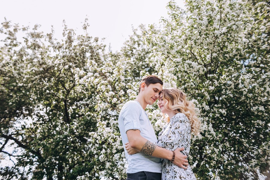 Wedding photographer Alena Babina (yagodka). Photo of 19.04.2019