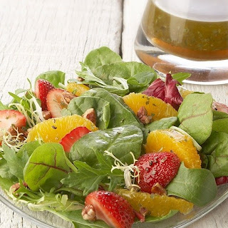 Field Greens with Oranges Strawberries and Vanilla Vinaigrette