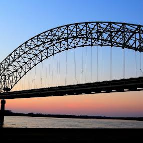The Hernando de Soto Bridge in Memphis at Sunset by Billy Morris - Buildings & Architecture Bridges & Suspended Structures ( tn, memphis, new bridge, sunset, landscape, bridges,  )