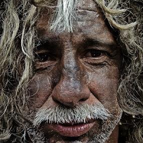 A tired man by Elias Spiliotis - People Portraits of Men ( face, details, old man, senior citizen, men portrait, people,  )