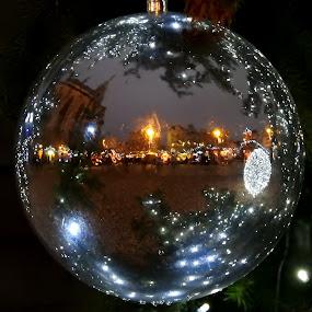 Vánoční koule by Věra Tudy - City,  Street & Park  Street Scenes
