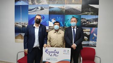 Javier González y Francisco Barrionuevo, junto al presidente de la asociación de agencias de viaje de Granada, Antonio Caño.