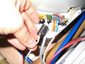 Photo: Corto el positivo y lo paso un interruptor que será el que lo ponga en marcha y lo pare.