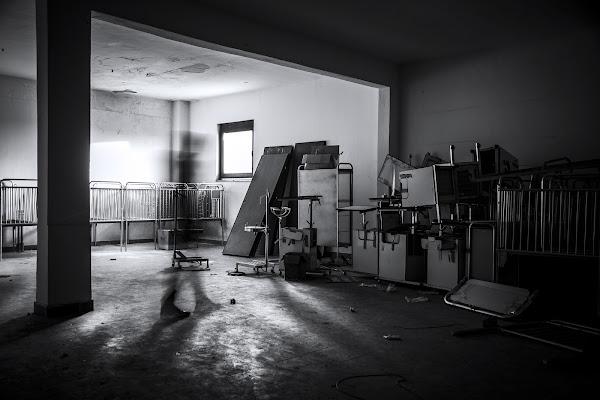 Abandoned Hospital di Pierferdinando Di Nuzzo