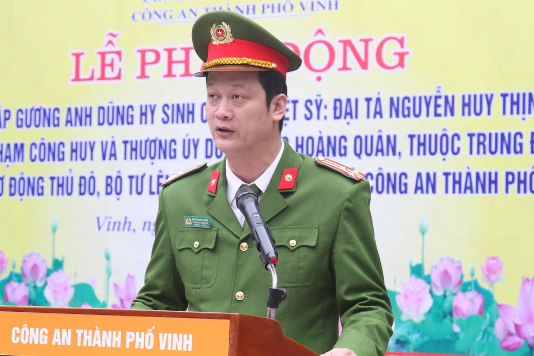 Thượng tá Nguyễn Đức Cường, Trưởng Công an TP Vinh phát biểu tại buổi lễ