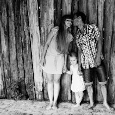 Wedding photographer Elena Gromova (Fotomaker). Photo of 05.08.2014