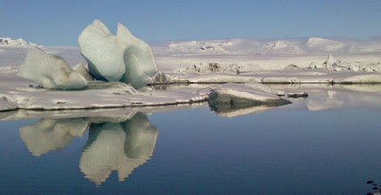 Photo: La Laguna degli Iceberg, in Islanda, in inverno. www.90est.it/islanda-aurora-boreale.html