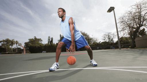 自主練メニュー|バスケでドリブルが劇的に上達する練習12種 | HOOPS JAPAN BASKETBALL MEDIA
