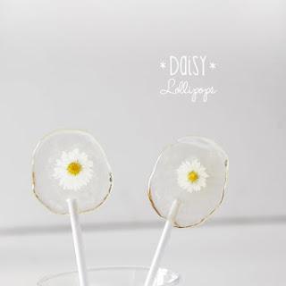 DIY Daisy Lollipops
