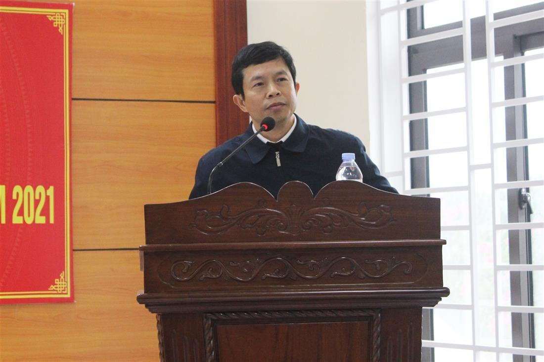 Đồng chí Vương Quang Minh – Bí thư Huyện ủy Quỳ Châu phát biểu tại Hội nghị.